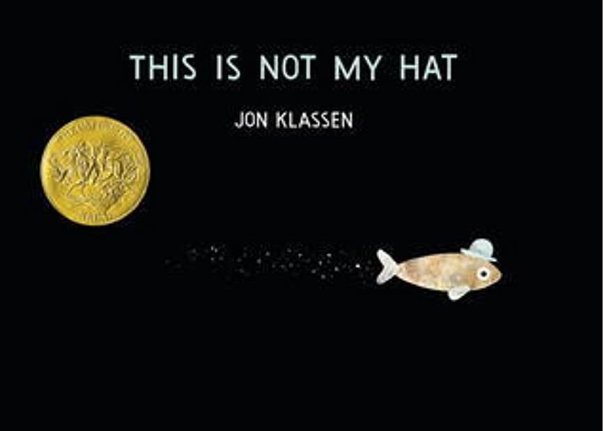 Jon Klassen的《帽子三部曲》中,我尤其喜欢这本。书中各个角色,仅靠眼神演绎,内容以文图不符的方式呈现,非常逗趣。适合与3岁以上孩子共读。